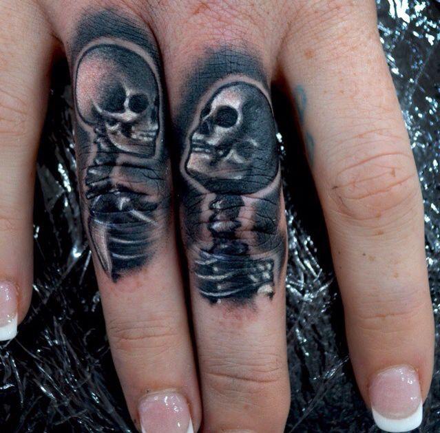 Finger tattoos by @dan_clark_tattoo_artist! #danclarktattooartist #savemyink