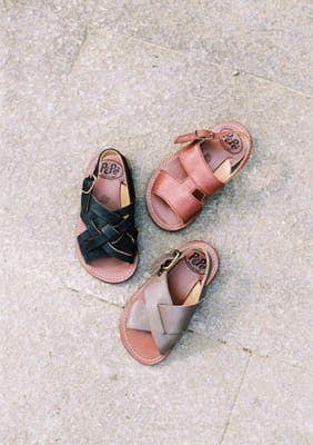 Zapatos para los pequeños. Estos son de Pèpè Children Shoes para niños.