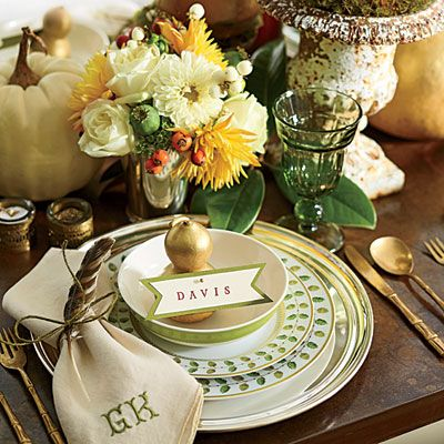 The Ultimate Southern Thanksgiving. Table SettingsPlace ... & 155 best SEASONAL: Holiday Tables images on Pinterest | Christmas ...