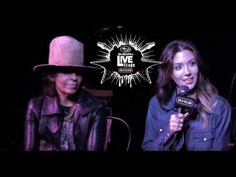 Linda Perry & Dorothy on Jonesy's Jukebox live from the Subaru Live Stage!