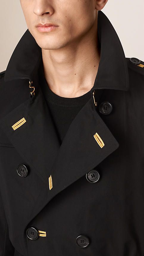A cotton gabardine Burberry trench coat cut in a Chelsea fit, our narrowest fit. Discover the men's outerwear collection at Burberry.com
