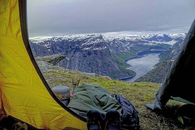 "via. @firefighter_in_travel  ""Wake up with such a view... better than a five star hotel... #norway #norwegia #trolltunga #odda #hardangervidda #tyssedal #norwegian #visitnorway #fjord #lake #mountain #hiking #outdoors #tent #outdoor #scandinavian #scandinavia #campinglife #camping #sleeping #morning #beautifull #view #cloudysky #cloudyday #ringedalsvatnet #my #photo #polishboy #nature""  Zobacz więcej podróżniczych inspiracji na: http://ift.tt/2k1V00E  Polub nas na fb: http://ift.tt/2qiHjxm…"