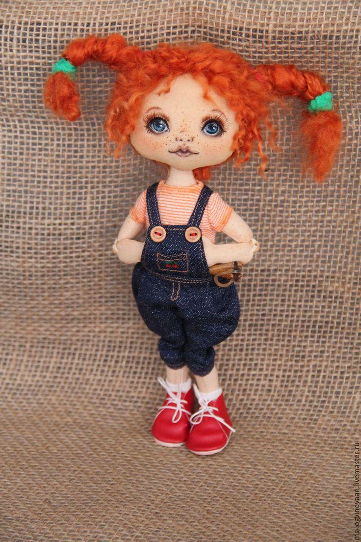 Купить или заказать Рыжая хулиганка в интернет-магазине на Ярмарке Мастеров. Текстильная кукла, коллекционная, шарнирная, все подвижно, голова поворачивается, одежда снимается частично, самостоятельно сидит, стоит с…