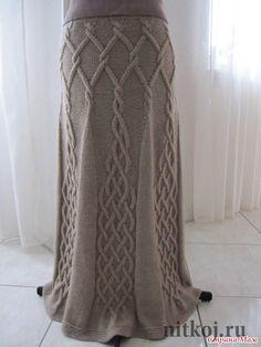 Юбка спицами с вертикальными аранами «эйфелева башня»