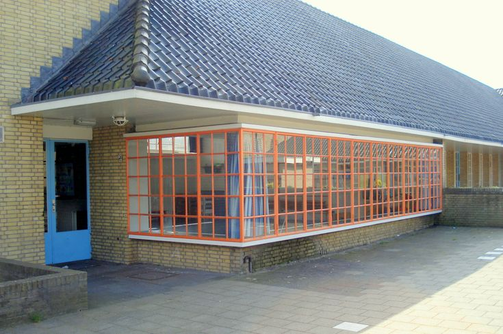 Nelly Bodenheimschool, Hilversum  architect: Willem Marinus Dudok