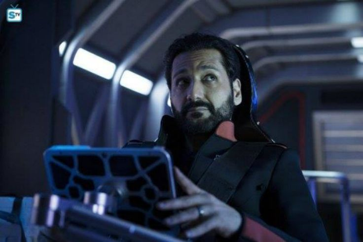 How can we pass great performance Cas Anvar being Alex Kamal East Asian Mars-born fighter pilot having Texas accent.