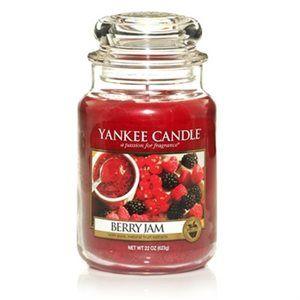 Jar-Berry Jam  Berry Jam- En sötsur blandning av färska bär med inslag av granatäpple, svarta vinbär, persika och vanilj  #YankeeCandle #BerryJam
