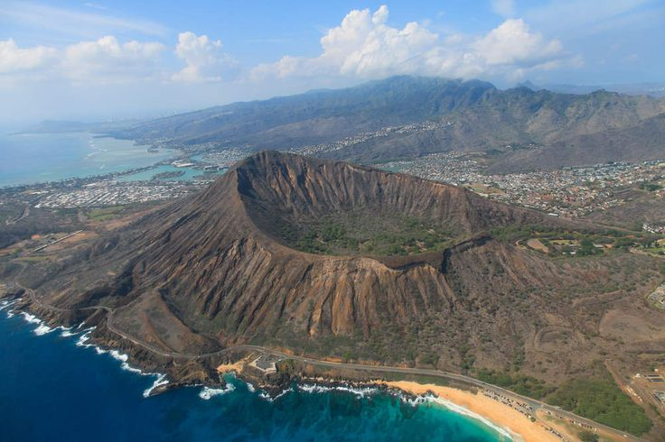 America's Best Parks to Visit in the Spring - Diamond Head State Monument Oahu, Hawaii