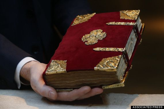 Rothschild Prayerbook, Renaissance Era Relic, Up For Auction In NYC