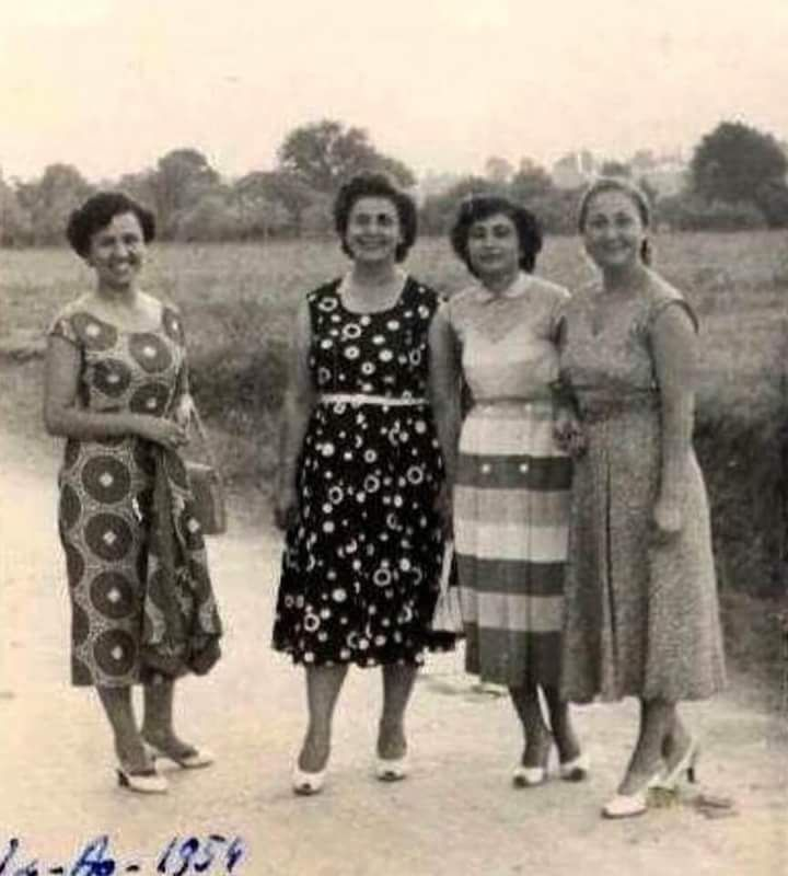 Bahçeleri ile bilinen Erenköy #birzamanlar #istanbul (1954) #istanlook