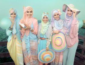 http://kebayapedia.com/kebaya-muslim/kebaya-muslim-modern-untuk-anak-muda/