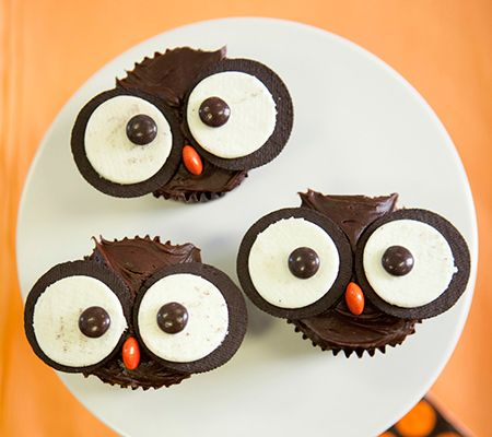 one chocolate cupcake, two oreos and three m's = the sweetest owl ever!