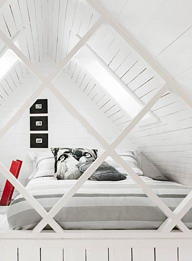 Exclusivité Simons Maison     L'élégance minimaliste des couleurs neutres chic…