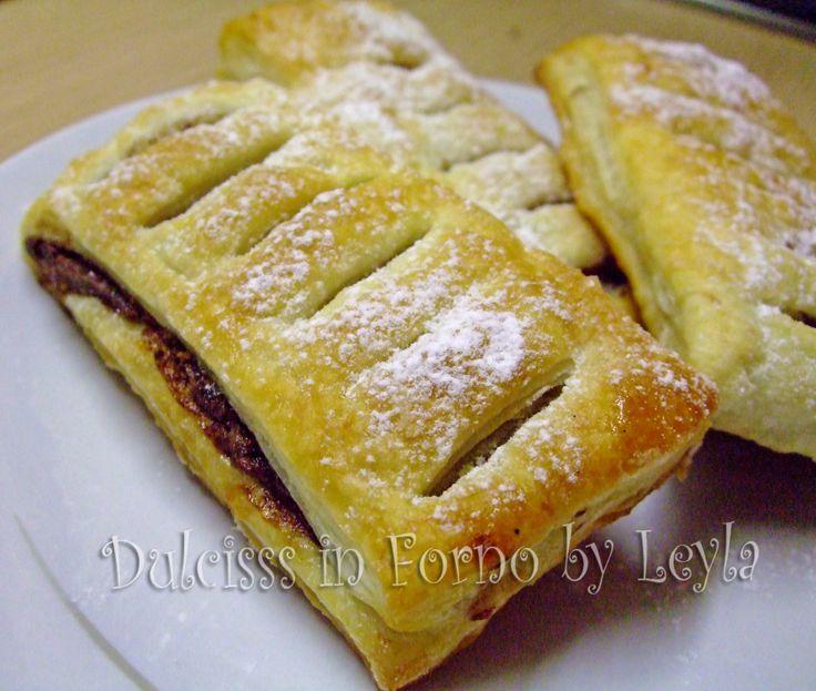 Saccottini di pasta sfoglia e nutella, ricetta semplice e veloce