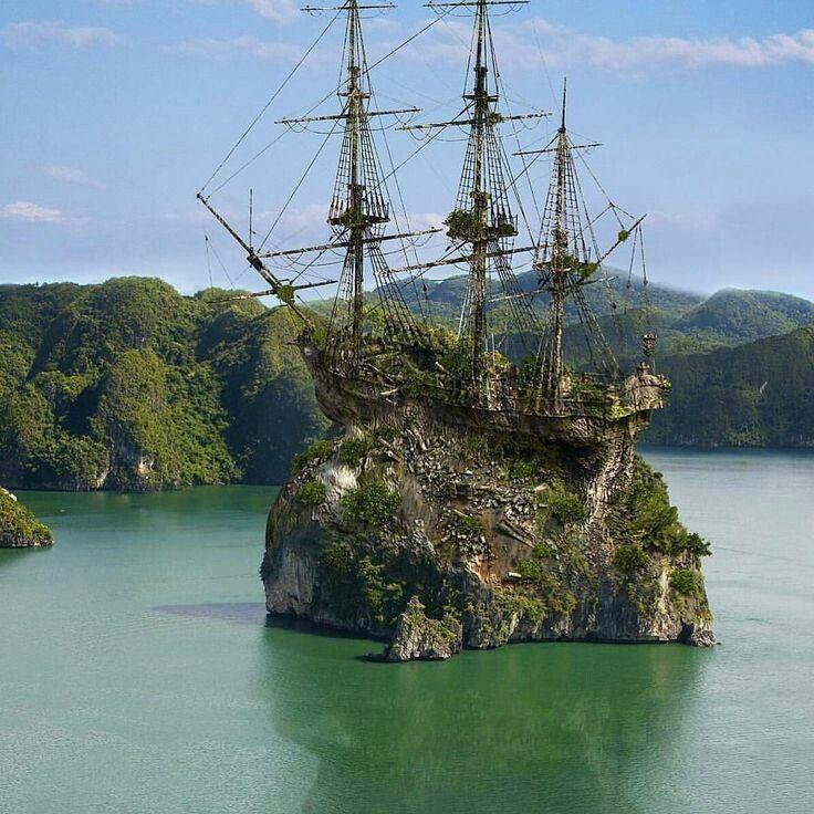 """doyoulikevintage: """"Ship abandoned """""""