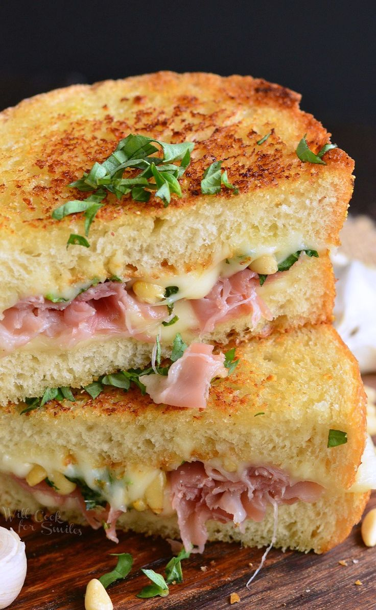 Italian Garlic Bread Grilled Cheese. Rocking grilled cheese that will knock your socks off!