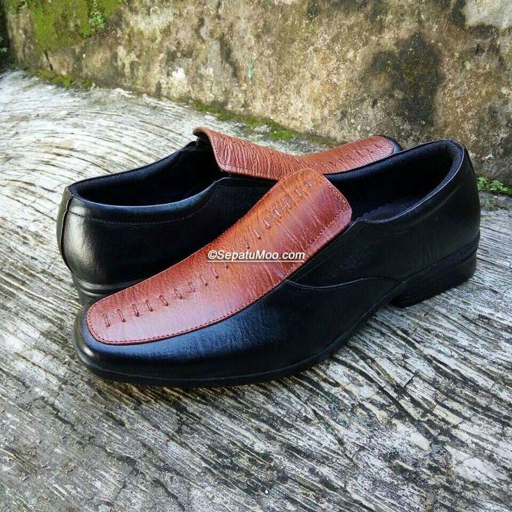 Bismillah #SepatuKulit #Pantofel Pria Marcus by #SMO  PO  14hari Rp. 190.000  Cek http://sepatumoo.com  #SepatuKulitAsli #SepatuCowok #SepatuMagetan #JualSepatu #SepatuMurah #SepatuKantor #SepatuKulitAsli #Shoes #SepatuKerja #FormalShoes #MenShoes #LeatherCraft #LeatherShoes #Footwear #HandMadeShoes #SepatuMooID