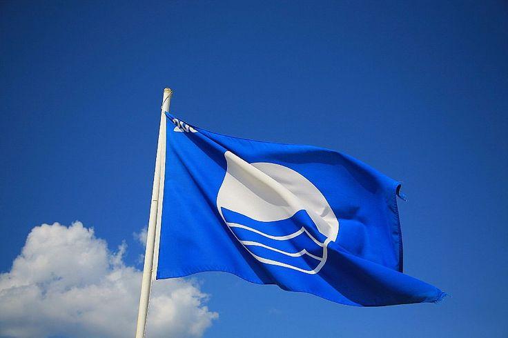 """В 2014 году число итальянских пляжей, отмеченных """"голубой отметкой"""", увеличилось - Этот год стал для Италии рекордным и показательным по числу самых чистых пляжей. 269 морских, а также озерных пляжей получили награду """"Голубой флаг"""". """"Голубой Флаг"""" - это междунар"""