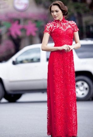 Red lace short sleeves ao dai for Pre-Wedding Vietnamese ceremony.