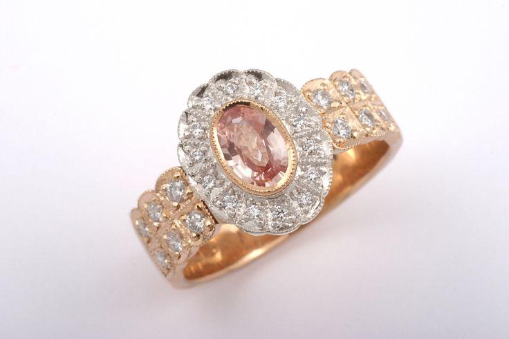 Lacey Grace. Keltakulta, valkokulta, safiiri ja timantit