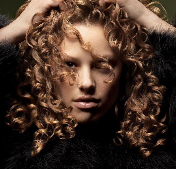 Συμβουλές για κατσαρά μαλλιά