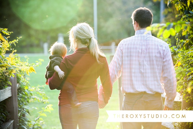 Photography by Samantha McGranahan, The ROXY Studio. Lifestyle session, #lifestyle, #family, family photos, #toddler, #mom, #dad