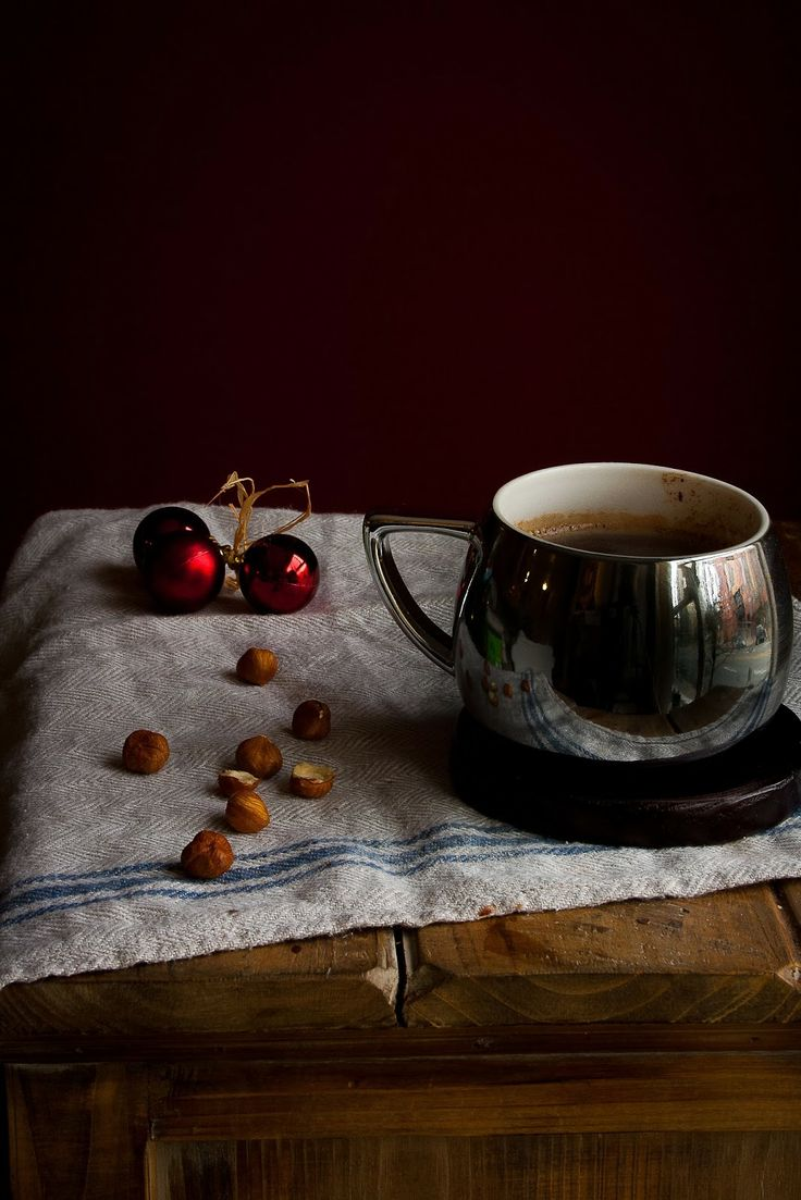 Hazelnut Hot Chocolate | hint of vanilla | Pinterest