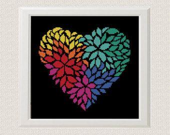 Um jogo de 3 testes padrões geométricos do coração. Seja ousado! Experimente diferentes combinações de cores e tecidos favoritos para criar um novo visual cada vez! ✽ PADRÃO DETALHES ✽ Padrão PDF Stitches: 39 X 34 Fabric: Aida 14, Any fabric you like Floss: DMC Anchor Madeira (5 colors) Size: 7,08 x 6,20 cm/ 2.8 x 2.4 inch (14 count) ----------- 5.5 x 4.8 cm/ 2.2 x 1.9 inch (18 count) Este padrão está no formato JPEG PDF e consiste em um exemplo da foto, uma lista floss DMC, Anch...