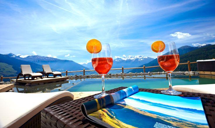 Fruchtig, frische Cocktails genießen und den Sommertag in vollen Zügen genießen - Alpin & Relax Hotel das Gerstl