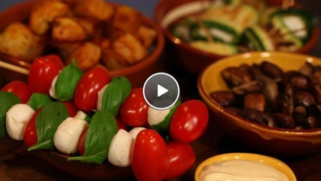 Feestelijke tapa's met snoeptomaatjes - 24 Kitchen