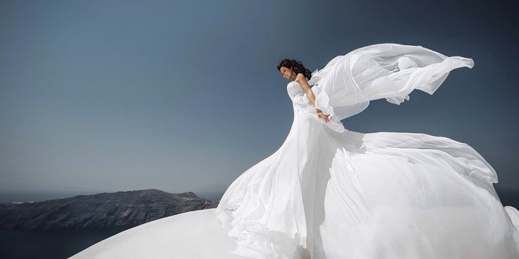 Our bride Alina on Santorini island . Photo by Igor Bulgak