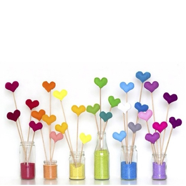 For some reason, this reminds me of Rainbow Brite... Love it! #coloredsand in jars, gradiated colored #centerpiece. Great for a little girl's party. www.amazon.com/shops/vistaquartz