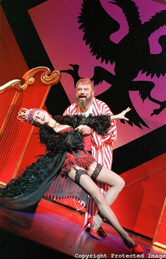 Nichola McAuliffe,Brian Blessed in Chitty Chitty Bang Bang opens at the London Palladium on 16/4/02 pic Geraint Lewis