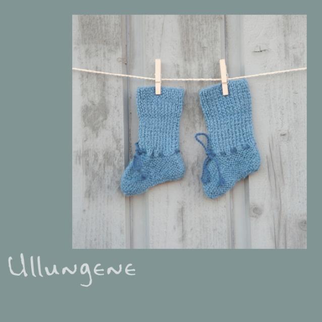 Veldig søte himmelblå sokker. Sokkene er håndstrikket i nydelig myk babyalpakka, som er kjent for sin varme og gode ull som ikke klør. Vi har sokker som passer perfekt til små prinser i alderen 0 til 3 mnd. Ta gjerne en titt på vår hjemmeside www.ullungene.no