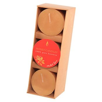 A winter favorite! Mulled Spice invokes feelings of sipping a hot apple cider in front of a fireplace with snow falling outside. The blended scent of essential oils of cinnamon, clove, nutmeg and ginger are a great way to add warmth to any room.