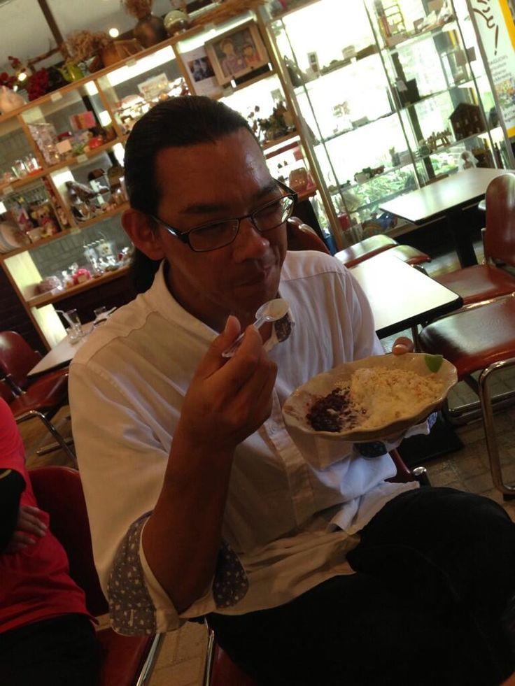 Twitter / kitao777: スイーツ男子。 #30jidori #30ube pic.twitter.com/DeX8j8SEfr