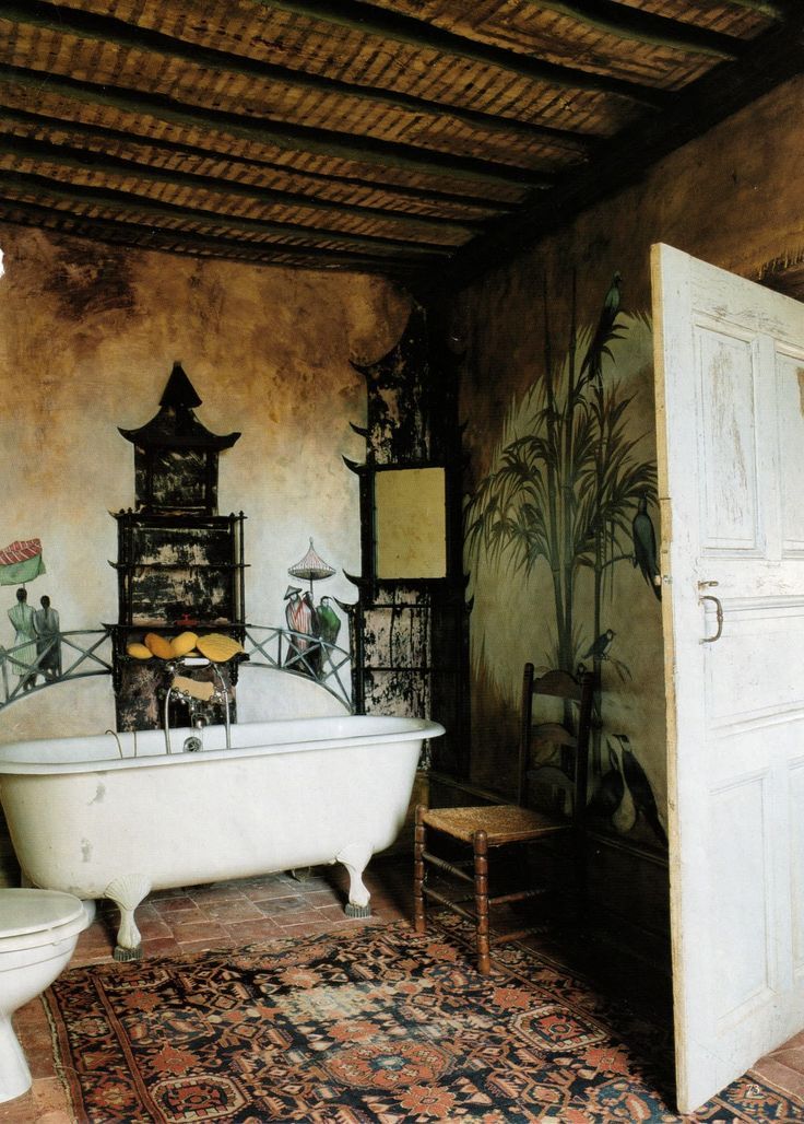 Exotic. Trompe l'oeil artist J. Henry Kester's faded chinoiserie bathroom. World of Interiors, Aug 2003