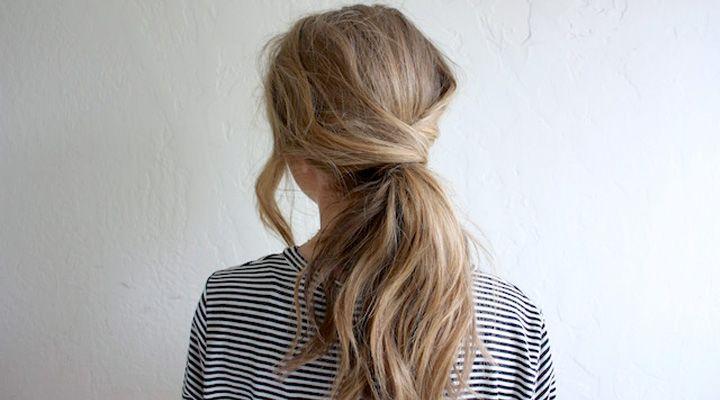 Ondanks dat je niet kunt invlechten wil je soms toch even wat anders. Dit zijn daarom wat makkelijke kapsels voor als je niet je eigen haar kunt invlechten.