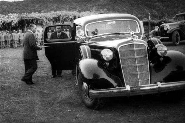 Atatürk Ankara Muhafız Alayı'nda, 1934