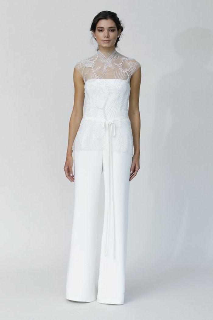 pantalon tailleur femme tout en blanc, pantalon évasé, épaules et col en  dentelle blanche f69039474527