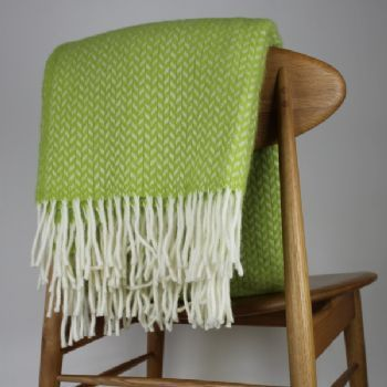 Klippan Yllefabrik polka wool blanket/throw - lime
