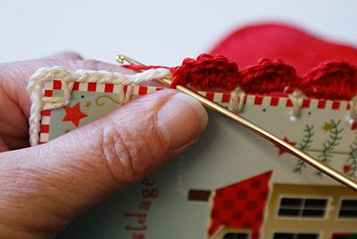 dutch sisters: Tutorial: Recycled Christmas-card with crochet scallop edge...an alternative edging??
