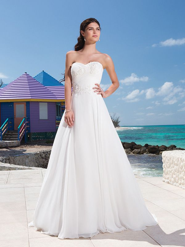 Sweetheart Neckline And A Beaded Lace Appliques Ruched Bodice Chiffon Ball Gown
