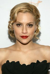Brittany Murphy  Born: November 10, 1977 in Atlanta, Georgia, USA Died: December 20, 2009 (age 32) in Los Angeles, California, USA