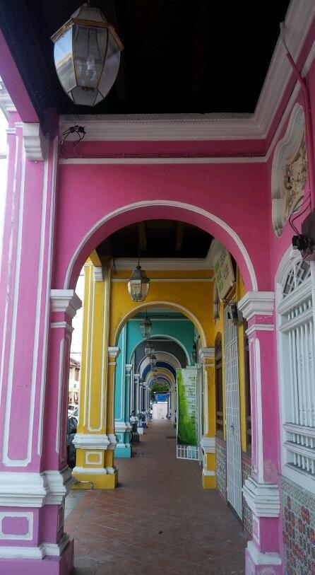 colour love george town