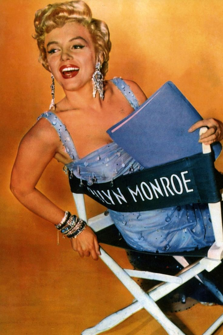 Marilyn monroe french chair - Oh Hey Marilyn Marilyn Monroe In A Director S Chair