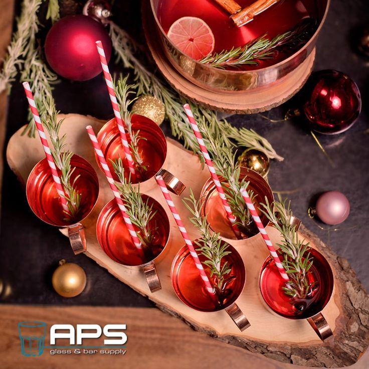 Bijna tijd voor de jaarlijkse feestdagen. Vergeet deze feestelijke rietjes niet!   Verkrijgbaar bij APS in verschillende kleuren en maten op http://goo.gl/hL1qwQ.  P.S. 1e kerstdag, 2e kerstdag en nieuwjaarsdag zijn wij gesloten. Alle andere dagen zijn wij gewoon geopend.  #rietjes #christmas #kerst #christmasdiner #horeca #bar #hospitality #bartender #drink #cocktail #christmascocktail