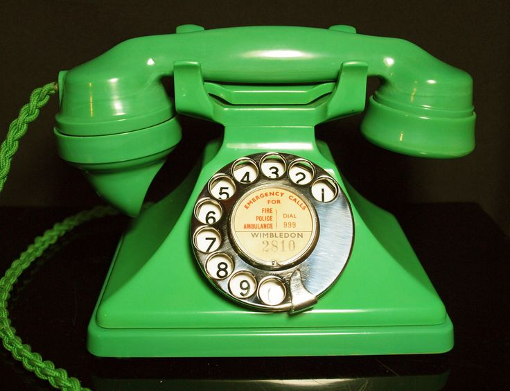 (1934) Green Bakelite telephone    This is as rare as hens teeth in any condition but this is the best I have seen in my 20 years of collecting and dealing.