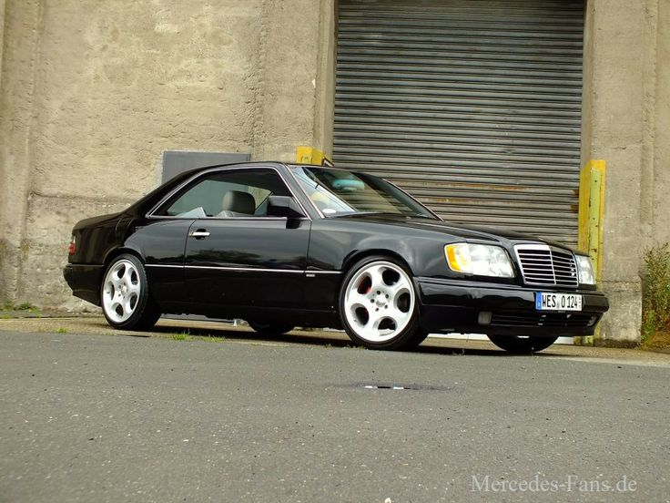 Mercedes-Benz 300 CE: Die dunkle Seite der Pracht