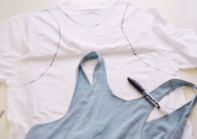 Why did I never think of this? How to make a tank out of an old tee...and tons of other DIY ideas from this incredibly clever and stylish woman!Diy Ideas, Asian Fashion, Diy Shirt, Workout Shirts, Fashion Ideas, Diy Tanks, Old Shirts, Tanks Tops, Diy T Shirts